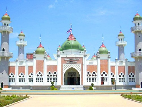 central-mosque-of-pattani-province-thailand.jpg