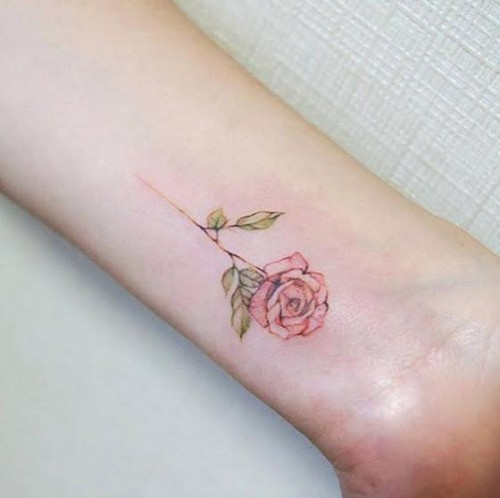 amazingly-attractive-wrist-tattoo-ideas-01.jpg